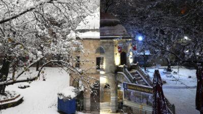 Bursa'daki tarihi mekanlar gece ve gündüz karla ayrı güzel