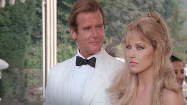 Bond kızı rolüyle ünlenen oyuncu hayata veda etti