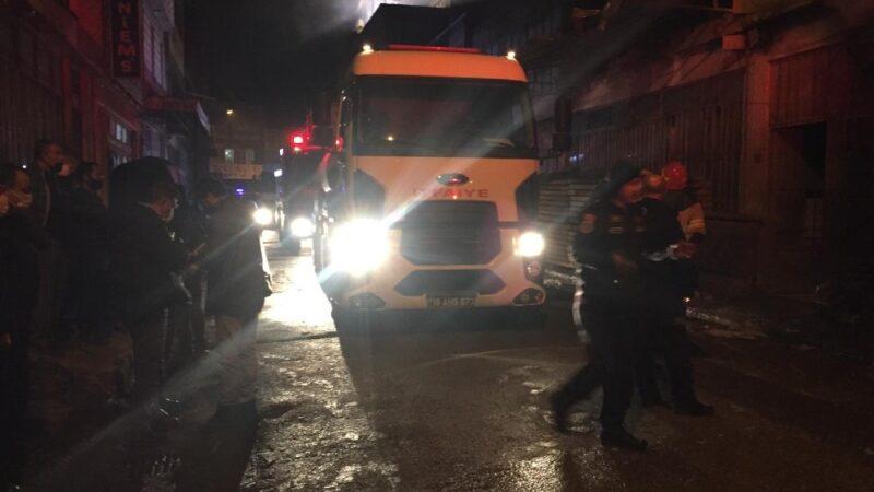 Bursa'da boyahanede çıkan yangın korkuttu