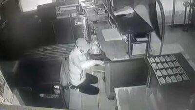 Bursa'da büfe faresi kameraya böyle yakalandı