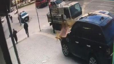Bursa'da lodos paniği! Vatandaş böyle kaçtı