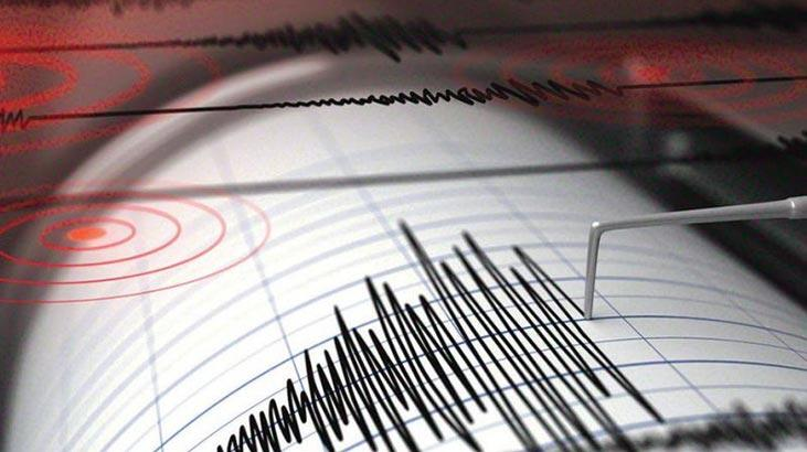 İzmir açıklarında deprem