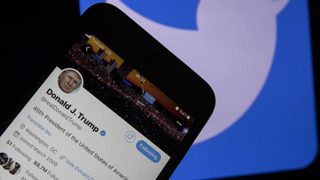 Trump'a sosyal medya engeli