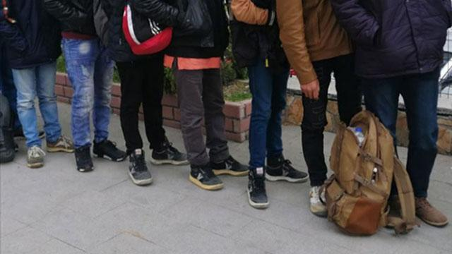 Kırklareli'nde 12 düzensiz göçmen yakalandı