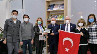 Bursalı doktor Şahin'e Meslek Hizmet Ödülü…