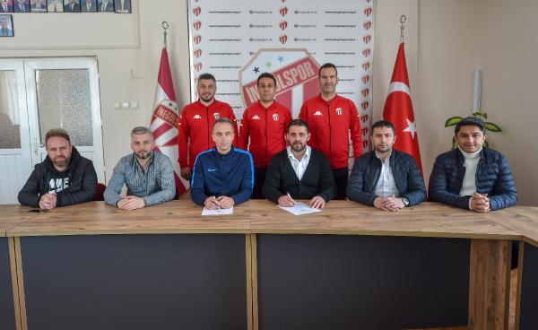 İnegölspor teknik ekiple sözleşme imzaladı…