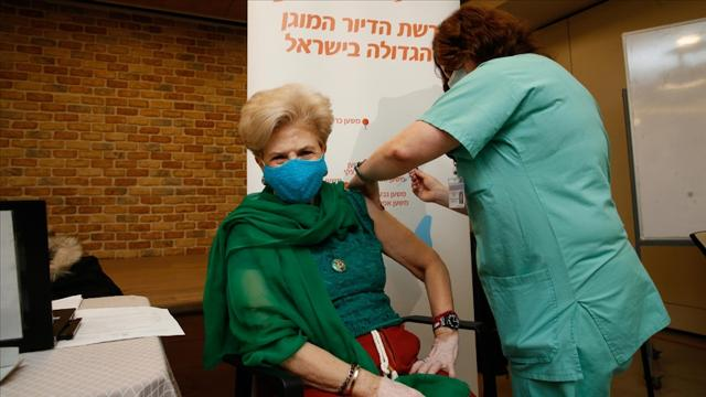 İsrail'de nüfusun yüzde 10'dan fazlasına Covid-19 aşısı yapıldı