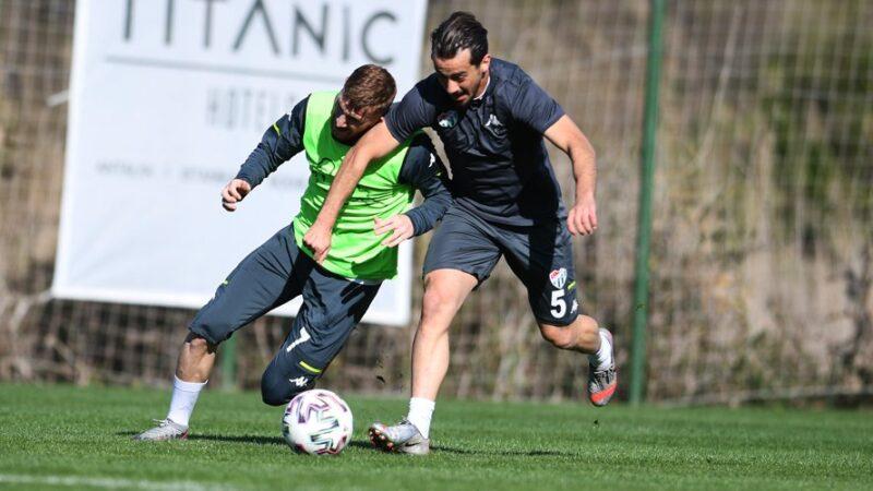 Bursaspor 'topa sahip olma' çalışması yaptı
