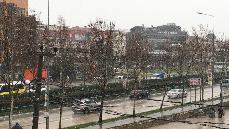 …Ve beklenen kar geldi! Bursa yine beyaza bürünüyor…