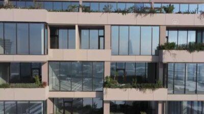 Bursa'da 14 katlı binayı gören bir daha bakıyor! 528 ağaç ve yaklaşık 1400 bitki türü…