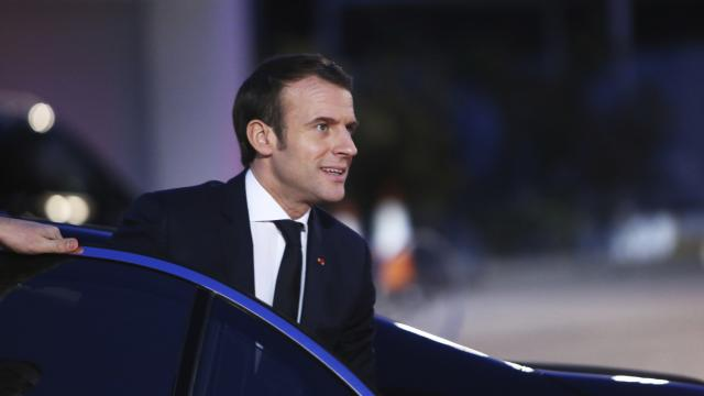 Macron'un kabinesine güven azalıyor