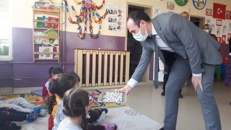 Mustafakemalpaşa'da miniklere 'devlet' ziyareti