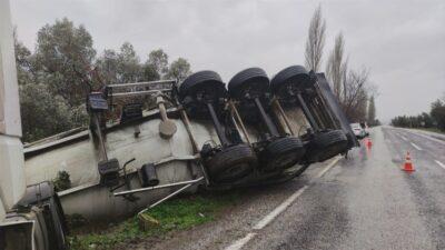 Bursa'da sağanak yağış kaza getirdi!
