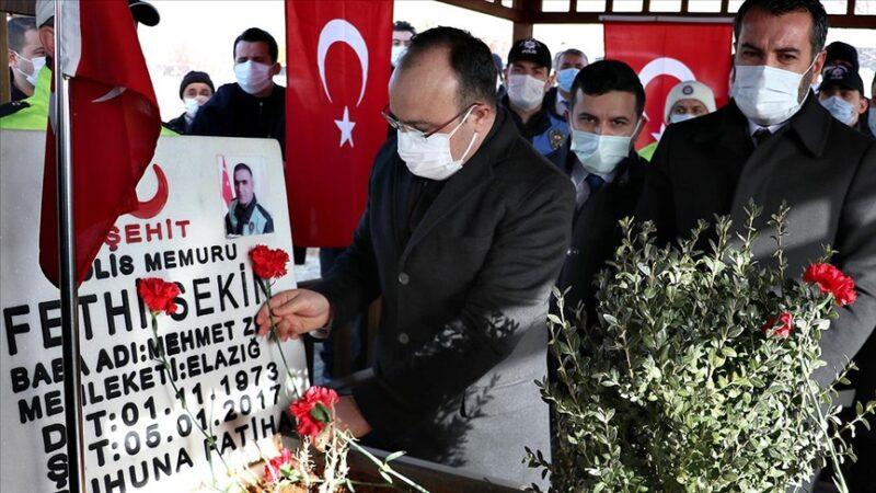 Şehit polis Fethi Sekin Elazığ'daki kabri başında anıldı