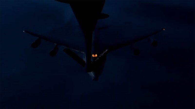 Hava Kuvvetleri'nden ilk! NATO uçağına gece ikmali