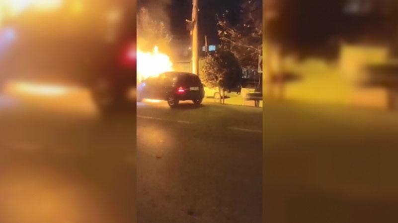 Bursa'da otomobil alev topuna döndü