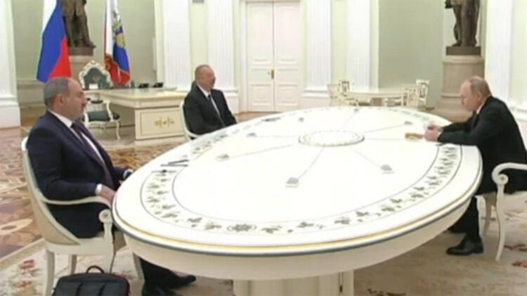 Moskova'da kritik Karabağ zirvesi