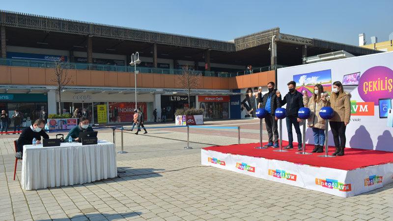 İnegöl AVM teknoloji kampanyası çekilişinde kazananlar belli oldu