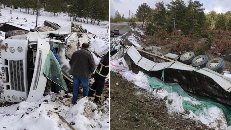 Şarampole devrilen kamyonun sürücüsü yaralandı