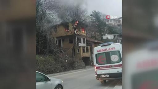 Bursa'da kullanılmayan ev yandı