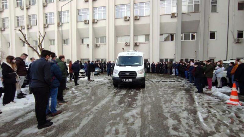 Bursa'da genç doktora gözyaşlarıyla veda