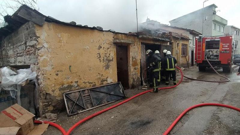 Bursa'da tek katlı binada yangın