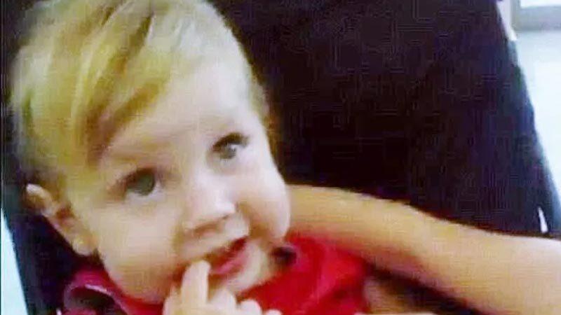 Vahşet! 2 yaşındaki bebeği cezalandırmak için 'haşladılar'