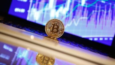 Bitcoin zirvenin ardından düşüşe geçti