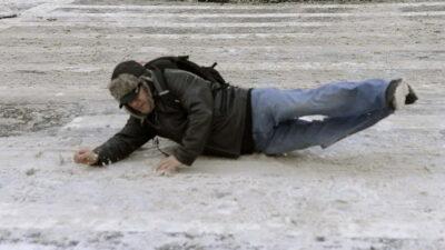 Aman dikkat! Buzlu yolda yürüme teknikleri…