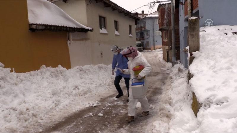 Bursa'da fedakârlığın böylesi! Karlı yolları aşıp…
