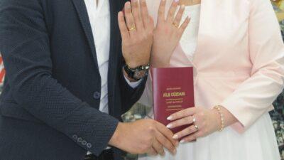 2020 verileri belli oldu! Bursa'da kaç çift evlendi?