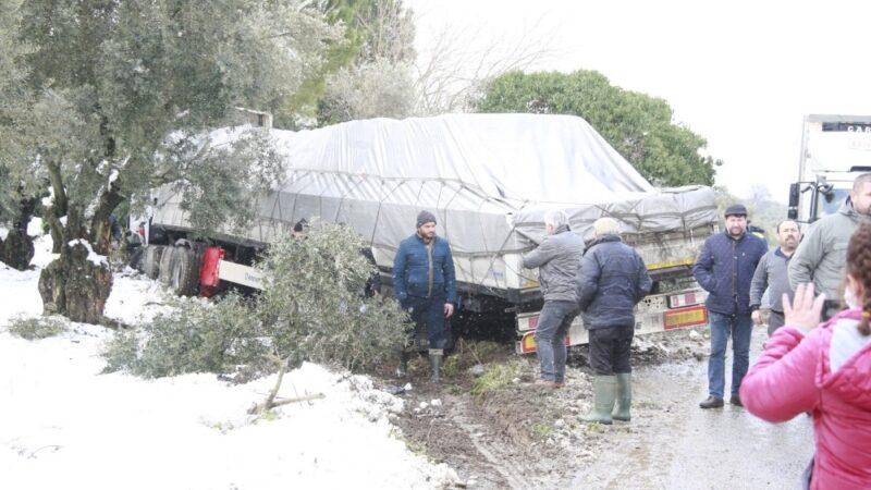 Bursa'da TIR ile otomobil çarpıştı! Yaralılar var…