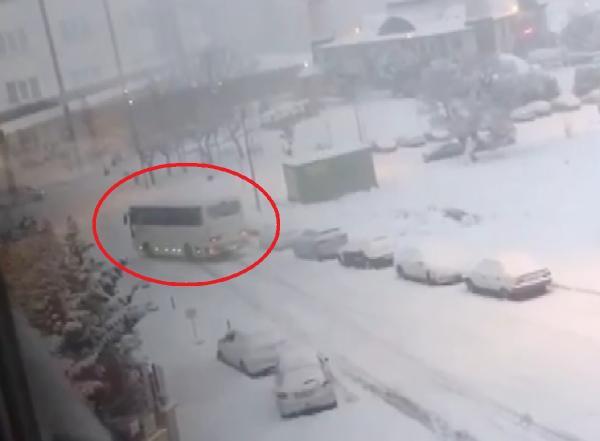 Bursa'da kar yağışı kazalara neden oldu