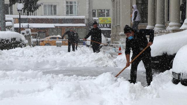 Kar yağışı ne kadar sürecek? Meteoroloji uzmanı açıkladı