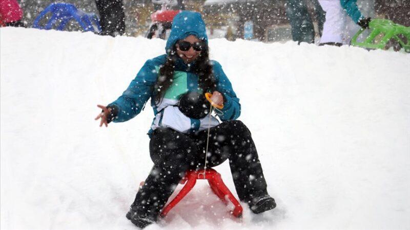 Kış turizminin yükselen değeri Davraz misafirlerini bekliyor