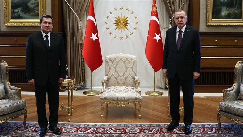 Cumhurbaşkanı Erdoğan, Meredow ve Bayramov'u kabul etti