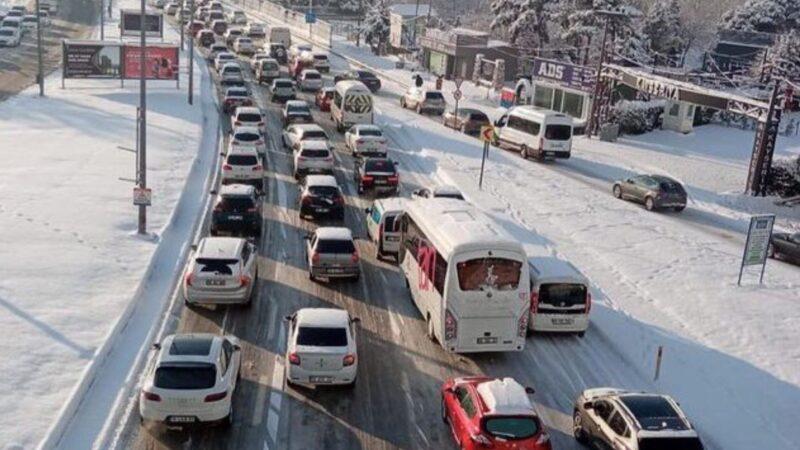 Bursa'da kar esareti!