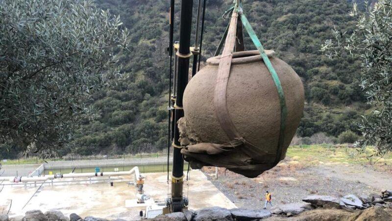 Kaçak kazıdan 1,5 metrelik tarihi küp çıktı