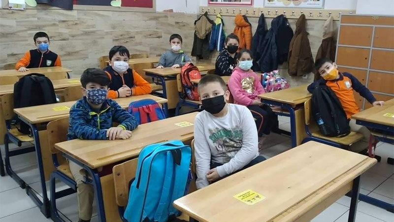 Eğitimciler dertli: 'Okullar kaosla açıldı'