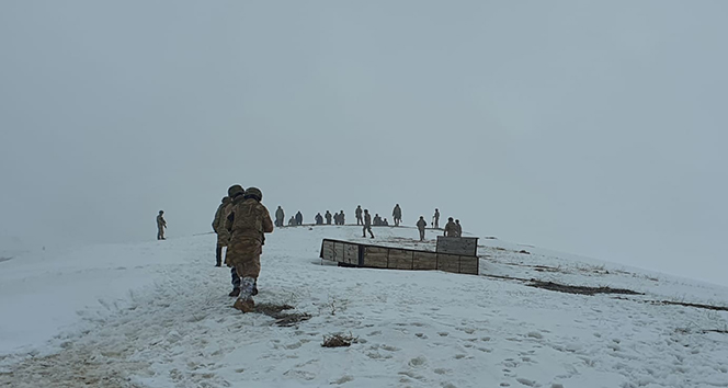 Askeri helikopterin düştüğü bölgede çalışmalar devam ediyor