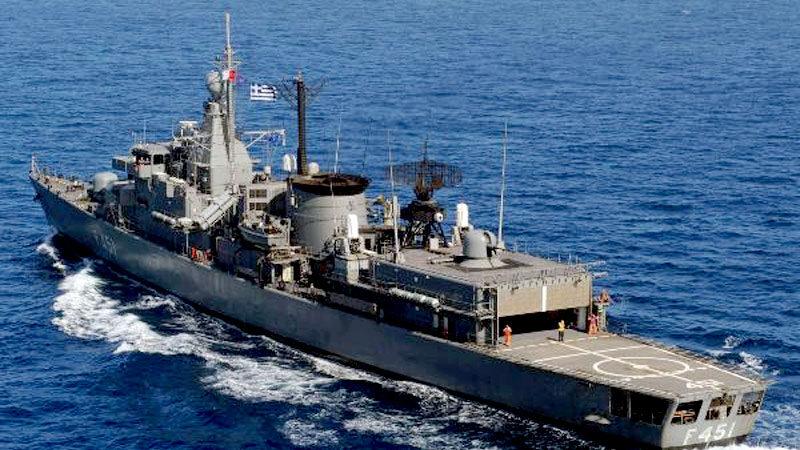 Yunanistan'da Türk donanması paniği: Güçleniyorlar