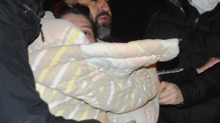 Soğuk deniz suyuna atlayan kadın, hipotermi riski nedeniyle hastaneye kaldırıldı