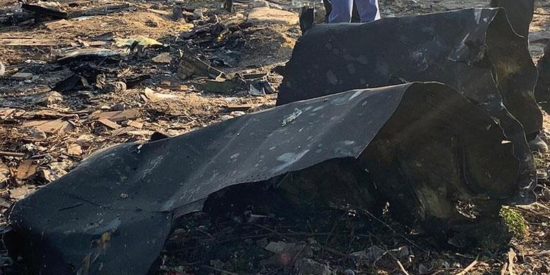 Yolcu uçağı düştü!
