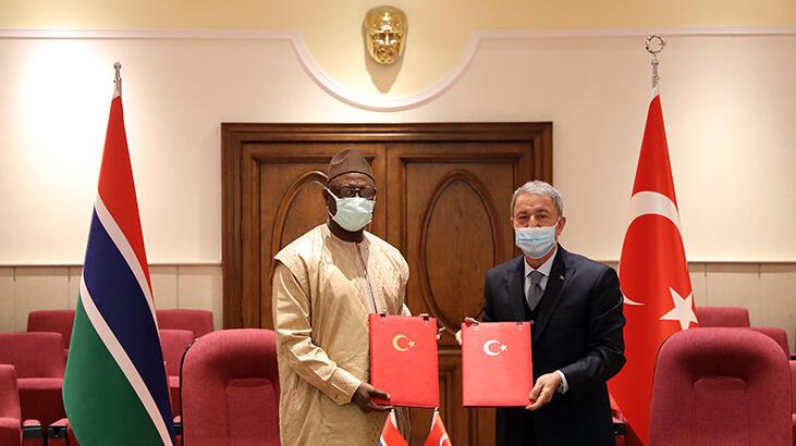 Bakan Akar, Gambiya Savunma Bakanı Faye ile görüştü