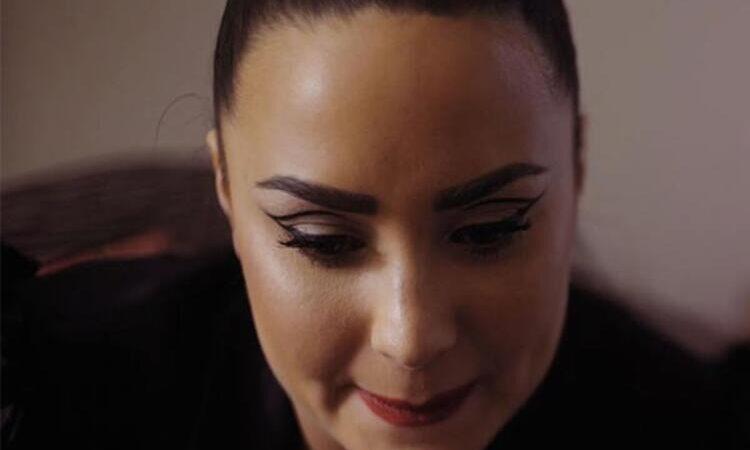 Ünlü şarkıcıdan itiraf: 2 kez tecavüze uğradım