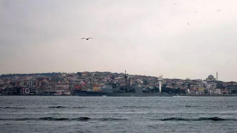 Boğazda savaş gemisi! 17.00 sularında…