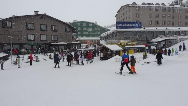 İklim değişikliği Uludağ'da kayak sezonunu ileri kaydırdı