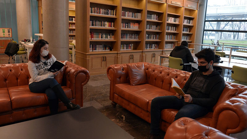 Bursa'nın ilk müze kütüphanesine yoğun ilgi