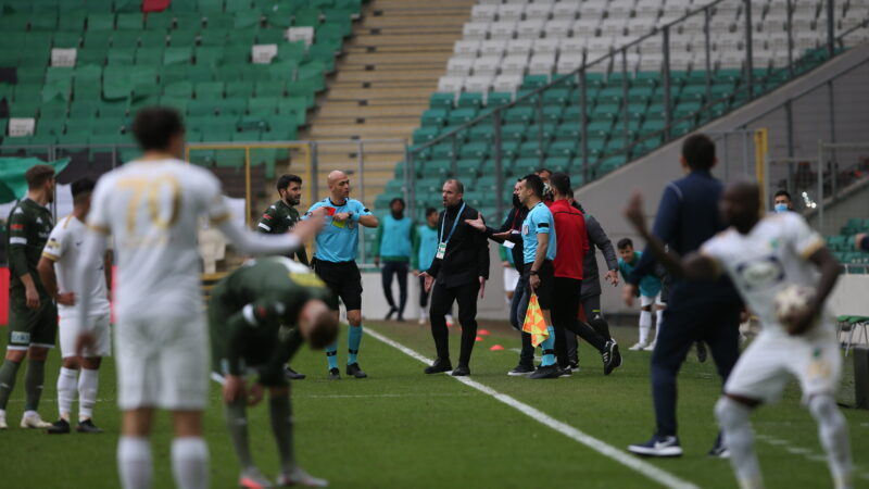 Bursaspor'a ağır yara vermişti! MHK'den flaş Yiğit Arslan kararı?