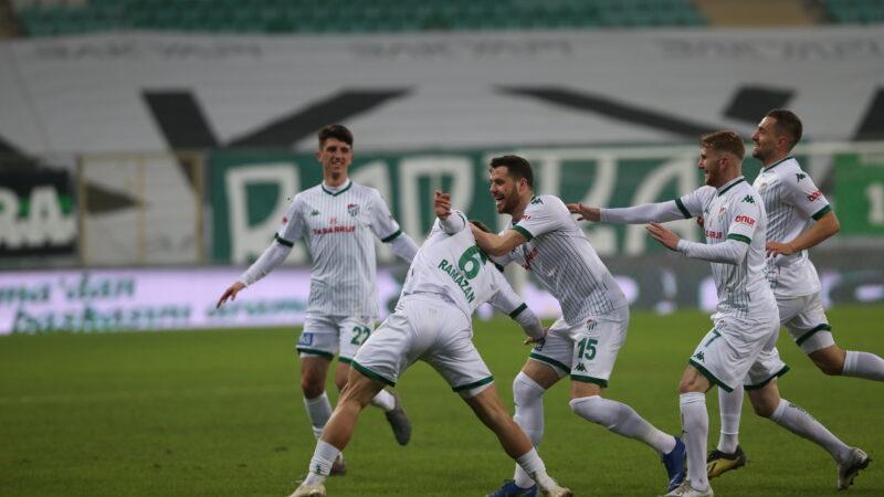 Ali Akman bile durduramadı! Bursaspor 3'e katladı!
